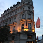 Photo taken at Mandarin Oriental, Munich by Madhawy S. on 6/29/2013