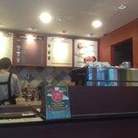 Photo taken at Joe's Sandwich & Coffee by Lee J. on 12/21/2012