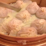 Photo taken at Joe's Ginger 锦江饭店 by Alan Lester D. on 1/1/2013