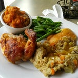 Photo taken at Boston Market by Dereck J. on 6/6/2013