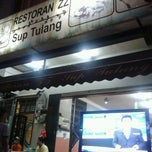 Photo taken at Restoran ZZ Sup Tulang by Daniel M. on 9/26/2012