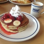 Photo taken at IHOP by Nuri T. on 6/17/2013