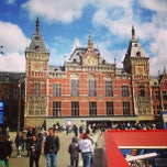 Photo taken at Station Amsterdam Centraal by Wagner d. on 5/10/2013