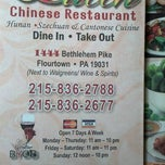 Photo taken at Queen Chinese Restaurant by Desmond H. on 3/24/2013