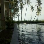 Photo taken at Lanta Pura Beach Resort by Ball N. on 9/30/2012