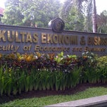 Photo taken at Fakultas Ekonomi Universitas Brawijaya by ouCha B. on 1/9/2013