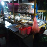 Photo taken at Mie get by Ginanjar M. on 9/3/2014