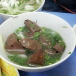 Photo taken at Bún Ngan Cô Tuyết by Hạnh Hoàng on 1/25/2013