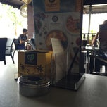 Photo taken at OldTown White Coffee by Fakhree H. on 1/31/2015