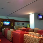 Photo taken at MAI Sky Smile Lounge by Helio C. on 10/19/2013