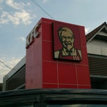 Photo taken at KFC by Ishak O. on 9/20/2014