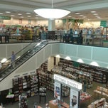 Photo taken at Barnes & Noble by Xian G. on 2/2/2013