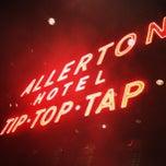 Photo taken at Warwick Allerton Hotel Chicago by John O. on 3/24/2013