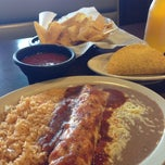 Photo taken at Los Tapatios by Jennifer K. on 10/10/2013