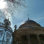 Photo taken at Parc Monceau by MikaelDorian on 4/14/2013