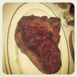 Photo taken at Frankie and Johnnie's Steakhouse by Katerina M. on 9/16/2012