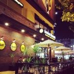 Photo taken at Gordon Biersch, Taichung by Jay W. on 9/20/2012