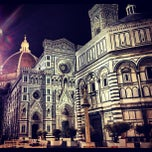Photo taken at Cattedrale di Santa Maria del Fiore by The Sunpilots on 11/7/2012