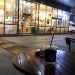 Photo taken at EDIYA COFFEE by 재희Jay 홍. on 10/23/2013