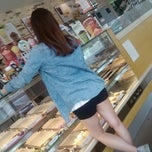 Photo taken at Dunkin' Donuts by 임스 제. on 5/26/2013
