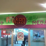 Photo taken at Makan Place by Johnny L. on 5/15/2013