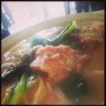 Photo taken at Restoran Hoong Wan by Chong F. on 9/23/2013
