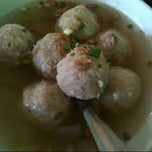 Photo taken at Bakso Empal Sapi by Kukuh D. on 3/30/2013