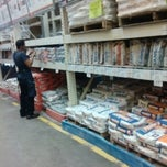 Photo taken at The Home Depot by ArturM Jaik on 12/5/2012