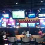 Photo taken at Buffalo Wild Wings by Kris L. on 11/27/2011