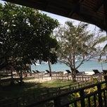 Photo taken at Mooban Talay Resort (หมู่บ้านทะเลรีสอร์ท) by Artorino T. on 5/19/2012