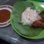 Photo taken at Nasi Uduk Babe H. Saman by Siti S. on 12/24/2012