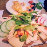 Photo taken at Le Pain Quotidien by Erica T. on 12/30/2012