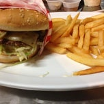 Photo taken at Famous Hamburger by Ehs on 10/7/2012