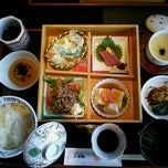 Photo taken at 木曽路 三鷹店 by Nobumasa H. on 10/26/2012
