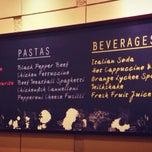 Photo taken at Pizza Hut by Valentcia T. on 7/14/2013