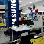 Photo taken at Electronic Solution @ Mall Of Indonesia by Herlya G. on 1/13/2013