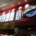 Photo taken at Fuddruckers by Zachary P. on 8/12/2013