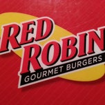 Photo taken at Red Robin Gourmet Burgers by Dusty G. on 11/30/2012