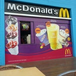 Photo taken at McDonald's by Srtc U. on 3/26/2013