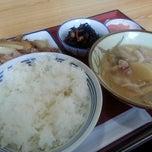 Photo taken at 厚木恩名食堂 by ミエちゃん on 11/8/2014