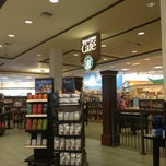 Photo taken at Barnes & Noble by Yvonne B. on 1/8/2013