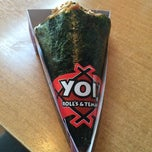 Photo taken at Yoi! Rolls & Temaki by Nadia Z. on 5/2/2015