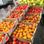 Photo taken at Downtown Berkeley Farmers Market by Kenneth P. on 8/17/2013