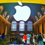 Photo taken at Apple Store, Grand Central by Miss 👑 D 👑 on 6/25/2013