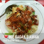 Photo taken at Mie Bagan Perapat by Leony G. on 4/26/2013