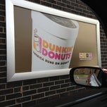 Photo taken at Dunkin Donuts by Johnny W. on 11/14/2012