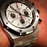 Photo prise au Audemars Piguet Boutique par Athbi A. le8/7/2013