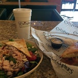Photo taken at Crispers Fresh Salads, Soups and Sandwiches by 🌴Dee D. on 3/12/2015