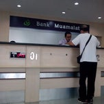 Photo taken at Bank Muamalat Indonesia Cabang Surabaya by Jund on 4/10/2013