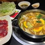 Photo taken at Nhà hàng lẩu Soa Soa by 🍃🌺🍃 MY KHANH 🍃🌺🍃 on 2/1/2015